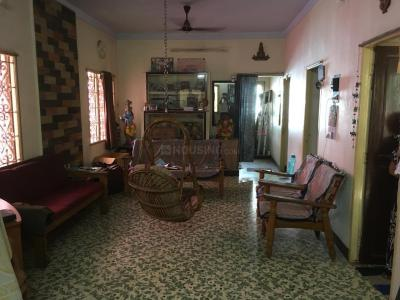 Gallery Cover Image of 1100 Sq.ft 2 BHK Independent House for rent in Saligramam for 18000
