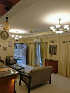 Gallery Cover Image of 1586 Sq.ft 3 BHK Apartment for buy in Chowriappa Constellation, Byrathi for 11500000