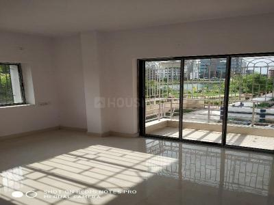 Gallery Cover Image of 1450 Sq.ft 3 BHK Independent Floor for rent in NBCC Vibgyor Towers, New Town for 17000