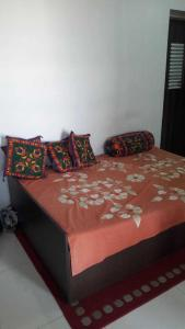 Gallery Cover Image of 570 Sq.ft 1 BHK Apartment for rent in Ghatkopar West for 35000