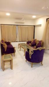 Gallery Cover Image of 2250 Sq.ft 3 BHK Apartment for rent in Lokhandwala Complex, Andheri West for 130000