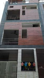Gallery Cover Image of 1000 Sq.ft 2 BHK Independent Floor for buy in Pitampura for 10000000