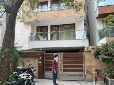 Gallery Cover Image of 2000 Sq.ft 3 BHK Independent Floor for buy in Defence Colony for 52500000