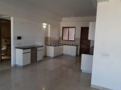 Gallery Cover Image of 2350 Sq.ft 3 BHK Apartment for rent in Landmark Vertica, Royapettah for 75000