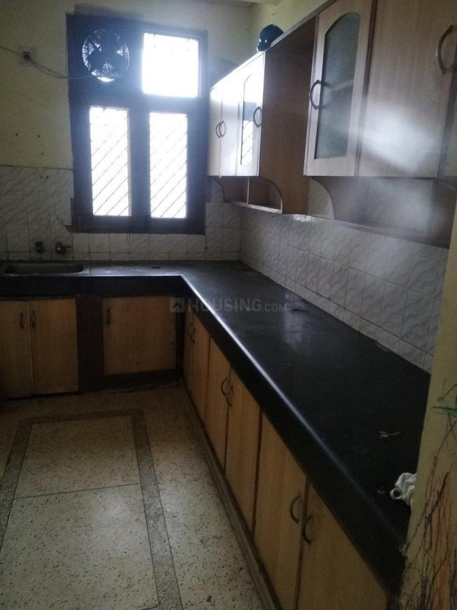 Kitchen Image of 1550 Sq.ft 3 BHK Apartment for rent in Sector 62 for 20000