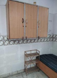 लक्ष्मी नगर में साई छाया गर्ल्स पीजी के बेडरूम की तस्वीर