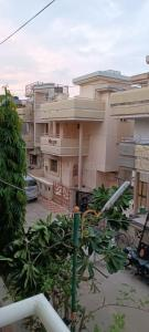 Gallery Cover Image of 1200 Sq.ft 3 BHK Independent House for buy in Ghodasar for 14000000