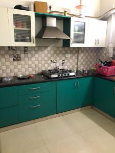 Gallery Cover Image of 1444 Sq.ft 3 BHK Apartment for rent in Mahaveer Maple, Brookefield for 30100