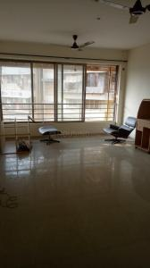 Gallery Cover Image of 1500 Sq.ft 3 BHK Apartment for rent in Prabhadevi for 120000