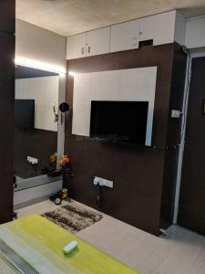 Gallery Cover Image of 850 Sq.ft 2 BHK Apartment for rent in Ek Omkar, Chembur for 50000
