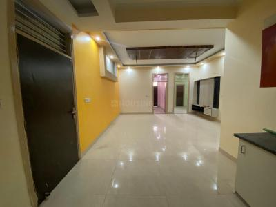 Gallery Cover Image of 1350 Sq.ft 3 BHK Independent Floor for rent in Maan Heights, Noida Extension for 10000