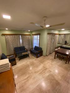 Gallery Cover Image of 1450 Sq.ft 3 BHK Apartment for rent in Srishti Synchronicity, Powai for 65000