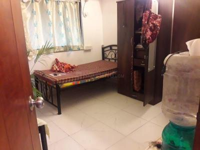 Gallery Cover Image of 800 Sq.ft 2 BHK Apartment for rent in Khar West for 70000