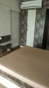 Gallery Cover Image of 1350 Sq.ft 2 BHK Apartment for rent in Prabhadevi for 125000