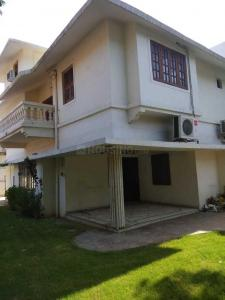 Gallery Cover Image of 3600 Sq.ft 4 BHK Villa for rent in Bodakdev for 75000
