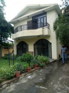 Gallery Cover Image of 4000 Sq.ft 3 BHK Independent House for buy in Sainik Farm for 25000000