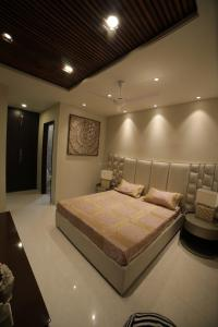 Gallery Cover Image of 949 Sq.ft 2 BHK Independent Floor for buy in Dadhog for 3890000
