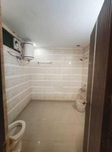 Bathroom Image of PG 4442037 Dlf Phase 2 in DLF Phase 2
