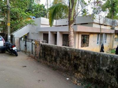 Gallery Cover Image of 1600 Sq.ft 3 BHK Independent House for buy in Sasthamangalam for 13500000