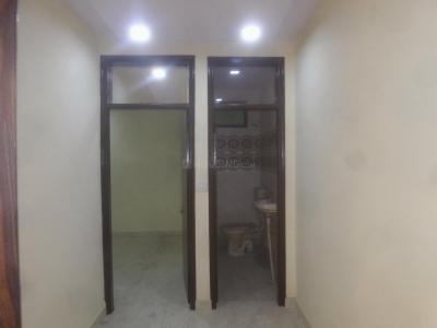 Gallery Cover Image of 500 Sq.ft 2 BHK Independent Floor for rent in RZQ 15, Mahavir Enclave for 10000