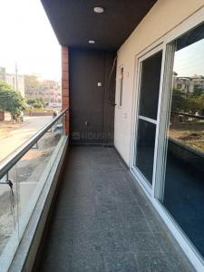 Gallery Cover Image of 2100 Sq.ft 3 BHK Independent Floor for rent in Sector 52 for 38000