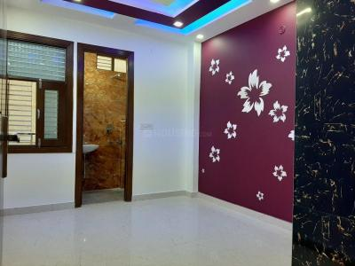 Gallery Cover Image of 890 Sq.ft 3 BHK Apartment for buy in Dwarka Mor for 4300000