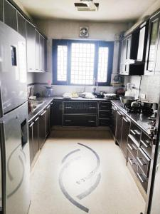Gallery Cover Image of 1300 Sq.ft 3 BHK Independent Floor for rent in DDA SFS Flats Block D Pocket A Shalimar Bagh, Shalimar Bagh for 35000