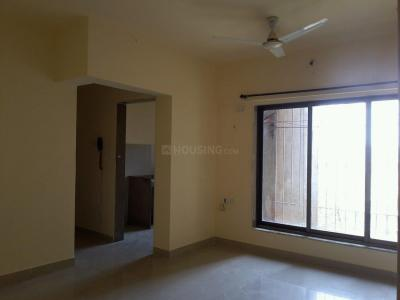 Gallery Cover Image of 831 Sq.ft 2 BHK Apartment for rent in Kasarvadavali, Thane West for 15000