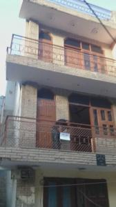 Gallery Cover Image of 1000 Sq.ft 4 BHK Independent House for rent in Noida Extension for 12500