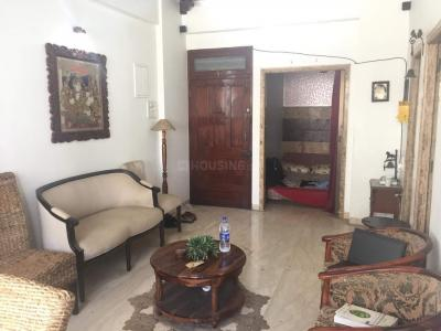 Gallery Cover Image of 600 Sq.ft 2 BHK Apartment for rent in Colaba for 65000