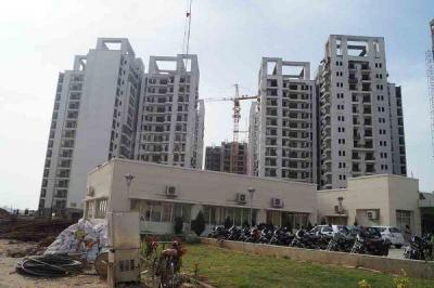 Gallery Cover Image of 1037 Sq.ft 2 BHK Apartment for buy in  Capital Greens Phase 1, RIICO Industrial Area for 2300000