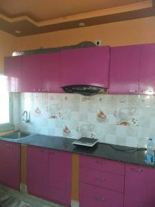Gallery Cover Image of 1200 Sq.ft 3 BHK Apartment for rent in Keshtopur for 18000
