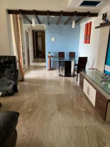 Gallery Cover Image of 1515 Sq.ft 3 BHK Apartment for rent in Srishti Synchronicity, Powai for 75000