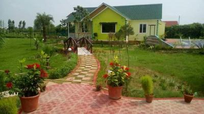 Gallery Cover Image of 9072 Sq.ft 3 BHK Independent House for buy in Sector 152 for 3500000