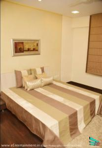 Gallery Cover Image of 1714 Sq.ft 3 BHK Apartment for buy in RK Park Ultima, Jankipuram Extension for 6240000