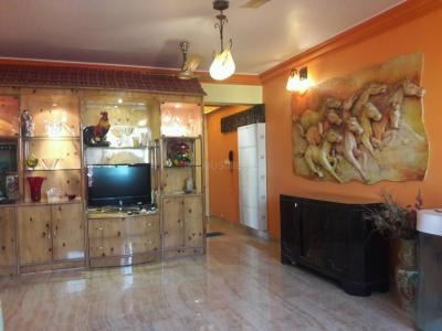 Gallery Cover Image of 1295 Sq.ft 3 BHK Apartment for rent in Kandivali East for 70000