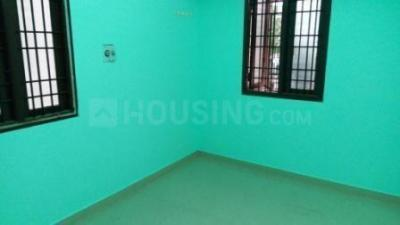 Gallery Cover Image of 850 Sq.ft 2 BHK Independent Floor for rent in Mudichur for 7500