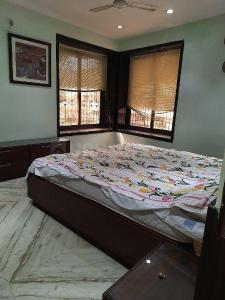Gallery Cover Image of 1200 Sq.ft 2 BHK Apartment for rent in Colaba for 150000