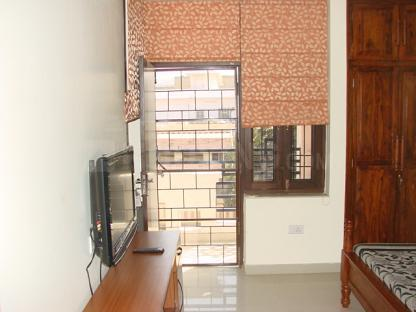 Bedroom Image of 2000 Sq.ft 3 BHK Independent House for rent in Andheri East for 21000