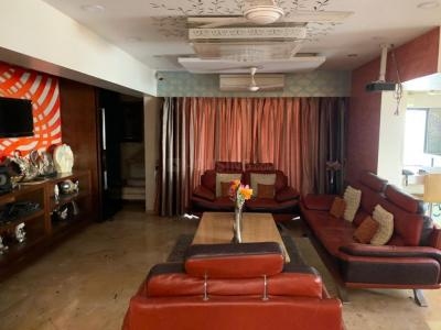 Gallery Cover Image of 3750 Sq.ft 4 BHK Apartment for rent in Parel for 210000