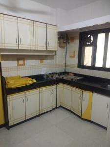 Gallery Cover Image of 685 Sq.ft 1 BHK Apartment for rent in Santacruz East for 38000