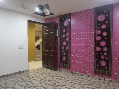 Gallery Cover Image of 1050 Sq.ft 2 BHK Apartment for buy in Sector 99 for 2700000