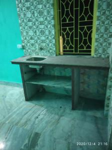 Gallery Cover Image of 402 Sq.ft 1 RK Independent House for rent in New Town for 5000