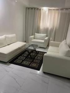 Gallery Cover Image of 700 Sq.ft 1 BHK Apartment for rent in Greater Kailash I for 35000