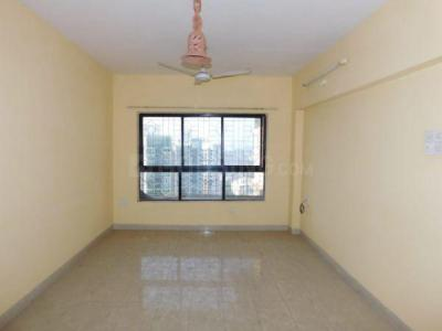 Gallery Cover Image of 930 Sq.ft 2 BHK Apartment for buy in Lokhandwala Riviera Tower, Kandivali East for 14500000