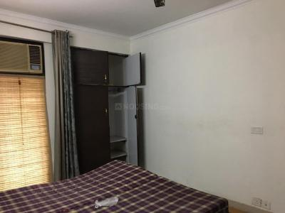Gallery Cover Image of 1560 Sq.ft 3 BHK Apartment for rent in DLF Phase 4 for 55000