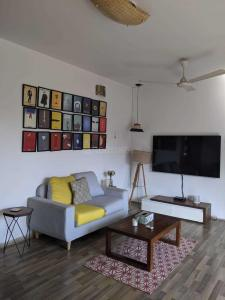 Gallery Cover Image of 850 Sq.ft 2 BHK Apartment for rent in Hashu Niwas, Bandra West for 120000