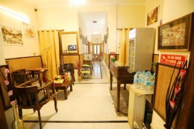 Hall Image of Girls PG With Food In Sant Nagar East Of Kailash in East Of Kailash