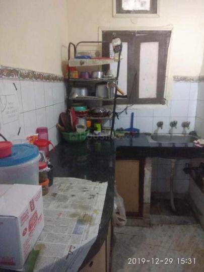 Kitchen Image of Jagtar PG in Moti Nagar
