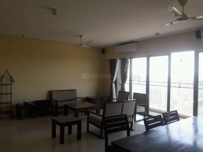 Gallery Cover Image of 3200 Sq.ft 4 BHK Apartment for rent in Bandra East for 300000